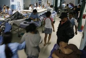 Pacientes-emergente-urgencias-camillas-atendidos_PREIMA20101115_0044_5