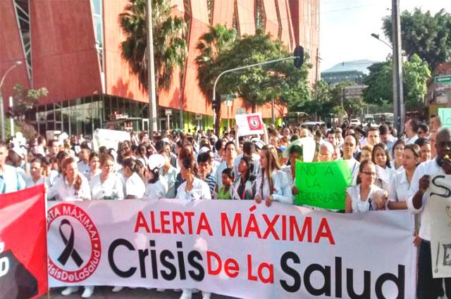 Gran movilización nacional para un  cambio radical del sistema de salud: primer pronunciamiento del XV Congreso de Hospitales