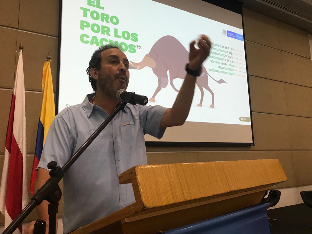 Estoy recuperando la entidad de la corrupción, la ineficiencia y la politiquería: Supersalud en Congreso de Hospitales Públicos